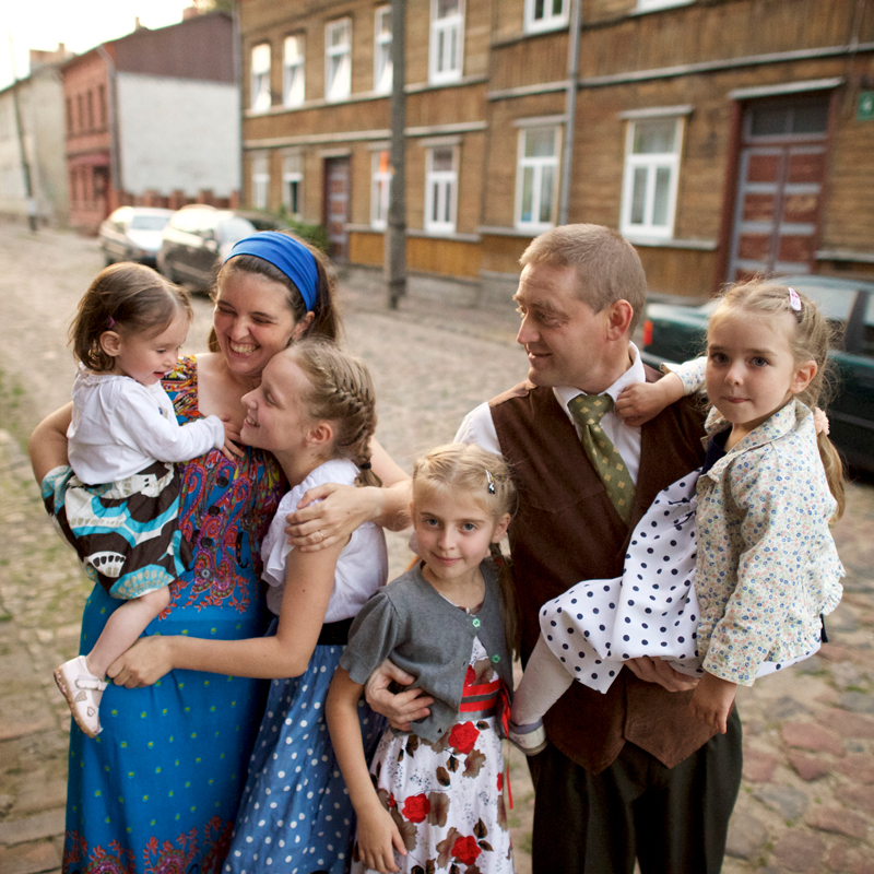 Try these tips and tricks to find your Dutch ancestors.