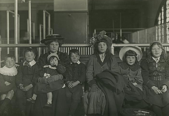 How the Immigration Act of 1924 slowed US immigration and led to the close of Ellis Island.