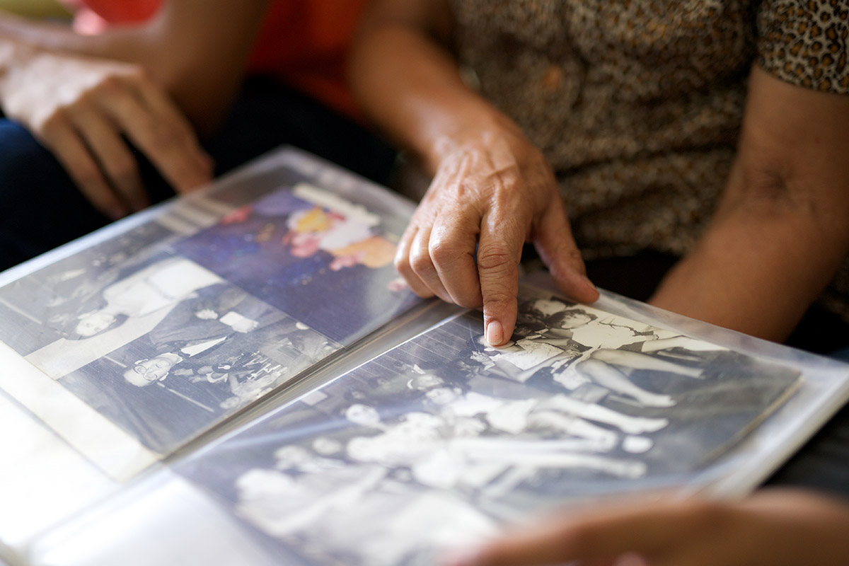 During the installation, AT&T employee Scott Martin discovered a scrapbook with hundreds of old pictures